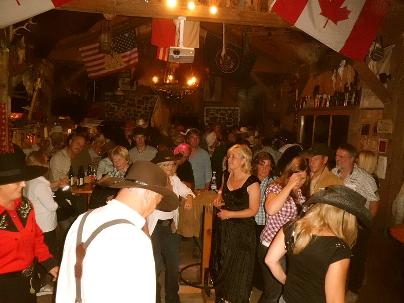 Linedancing in the Powderhorn